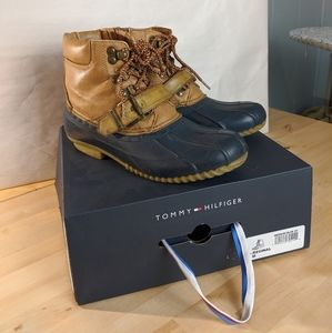 Tommy Hilfiger duck boots 7M